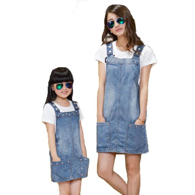 2016 девушки летом новый Европейский случайные джинсовой ремешок платье Семья установлены для матери и дочери родителей с детьми одежды соответствия
