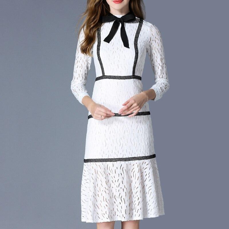 2018 di autunno nuove donne di modo abiti lunghi a maniche lunghe dell'arco del collare del basamento sottile del Vestito dell'anca del sacchetto di stile di Gusto Squisito bianco di pizzo vestito - 2