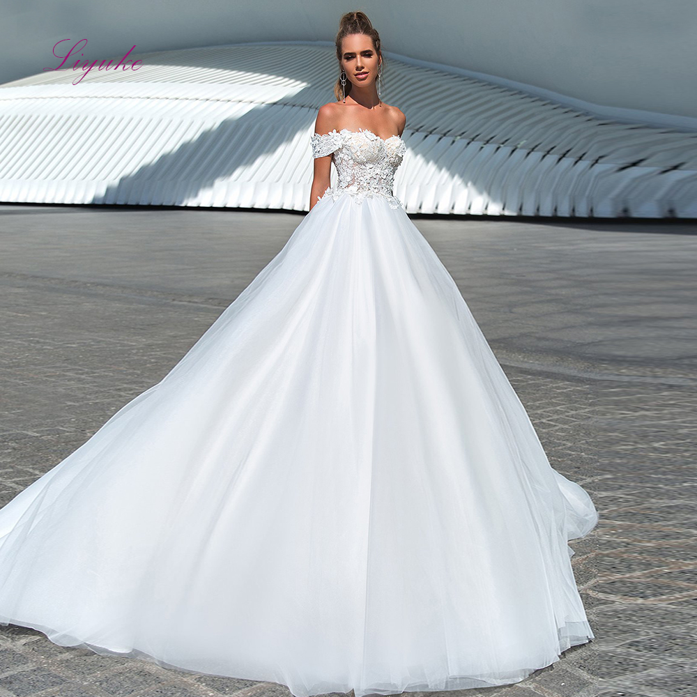 Liyuke 2019 MarriedBoat Neck Ball Gown Wedding Dress Simple Lace Appliques Customized