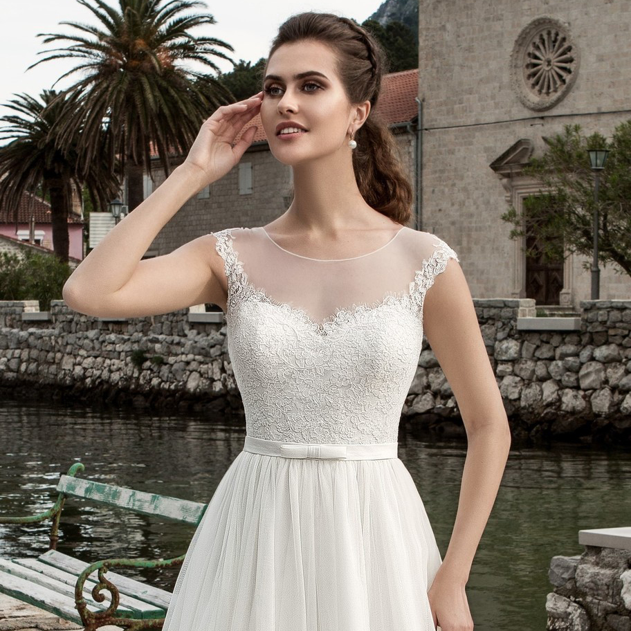 Image 3 - 2019 Scoop Neck Sleeveless Lace Wedding Dress See Through White/Ivory Tulle A line Bridal Gown Customized Vestidos de Novia-in Wedding Dresses from Weddings & Events