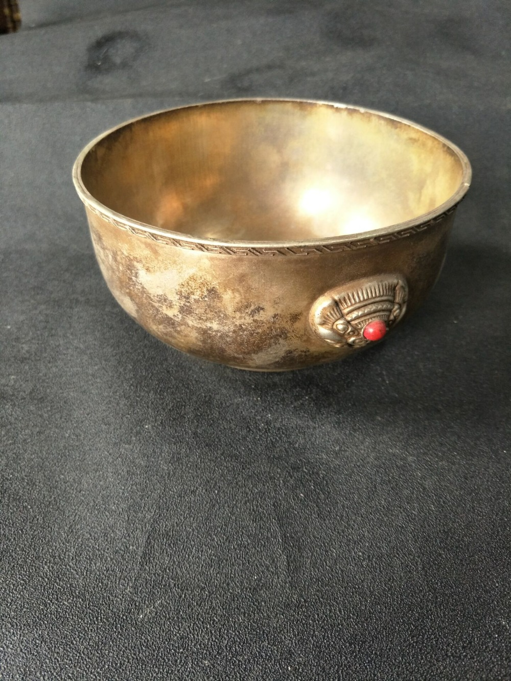 Antique collection Old Qing Dynasty silver bowl, carved animal face, set with precious stones,with mark , free shippingAntique collection Old Qing Dynasty silver bowl, carved animal face, set with precious stones,with mark , free shipping