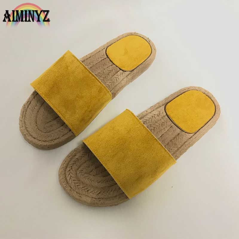Пляжные однотонные замшевые тапочки Для женщин летние Литер обувь вне пола красивые женские босоножки на плоской подошве шлепанцы Шлепанц...
