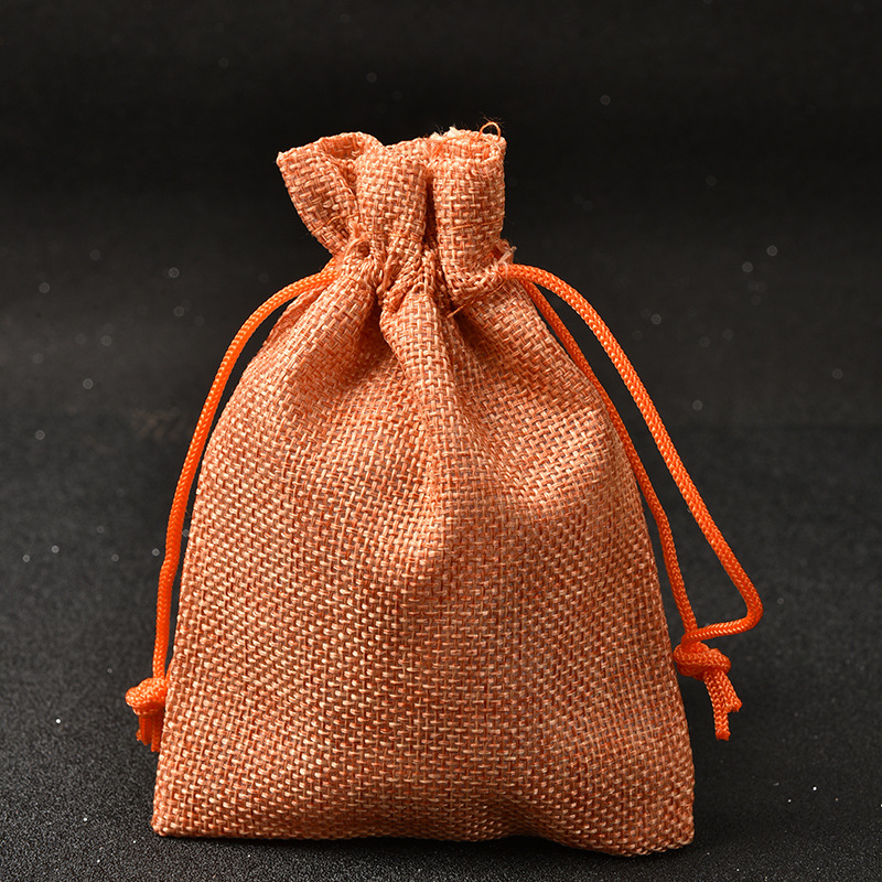 10 pcs lot Orange Jute Sac 10x14 cm Cadeau De Mariage Sac Drawable Bijoux Sac  de Poche Faveur de Bonbons Bracelet Charmes emballage Sac H0454 293acb99a5d