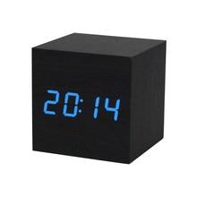 Digitální hodiny krychlového tvaru s LED osvětlením