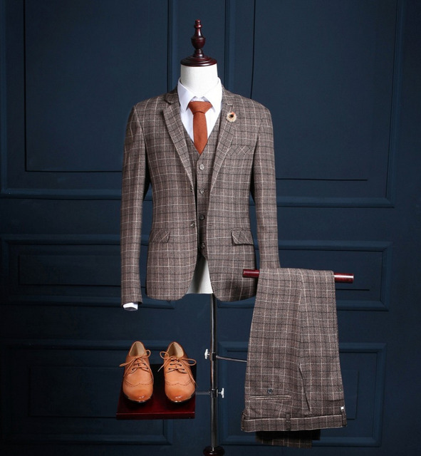 2017 Wedding Suits For Men Tuxedos Peaked Lapel Groomsmen Suits 3 Pieces Mens Suits Slim Fit New Suit (Jacket+Vest+Pants)