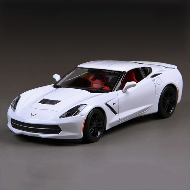 1:18 Diecast Car Corvette C7 Z51 White 1:18 Diecast Car Metal Racing