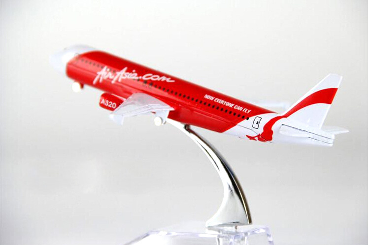 air passenger plane model A320 Asian aviation aircraft A320 16cm Alloy simulation airplane model for kids