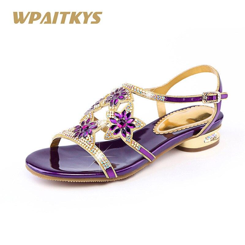 2018 紫、青、金 3 色オプションの女性のサンダル甘い革ラインストーンの女性の靴ローヒールダイヤモンドサンダル  グループ上の 靴 からの ローヒール の中 1