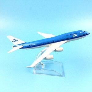 Image 4 - شحن مجاني 16 سنتيمتر 747 KLM سبيكة معدنية نموذج طائرة نموذج طائرة طائرة لعبة هدية عيد ميلاد