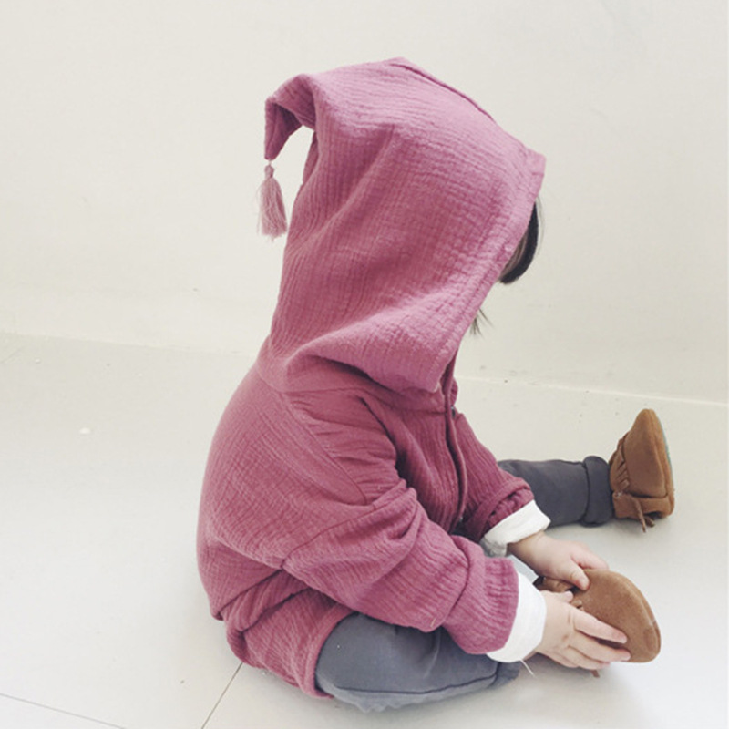 Children's wear in the autumn of the new boys and girls single-breasted cotton linen cap candy color cardigan jacket.
