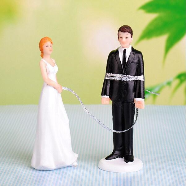 ᐂThe wedding Cake Topper European doll The bride and groom a ...