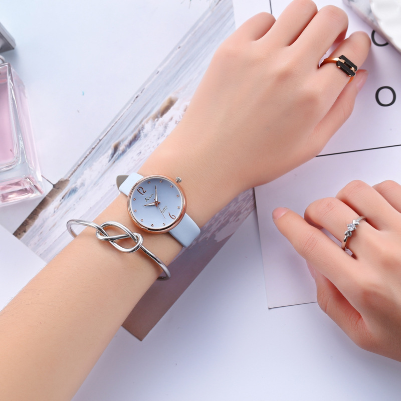 купить Leather Women Watches Luxury Brand Quartz Watch Casual Ladies Watches Women Clock Montre Femme Relogio feminino по цене 4263.44 рублей