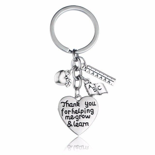 12 ชิ้น/ล็อตขอบคุณสำหรับ Helping Me Grow & เรียนรู้พวงกุญแจ Apple ไม้บรรทัด ABC Book หัวใจ Keyrings สำหรับครูพวงกุญแจของขวัญ