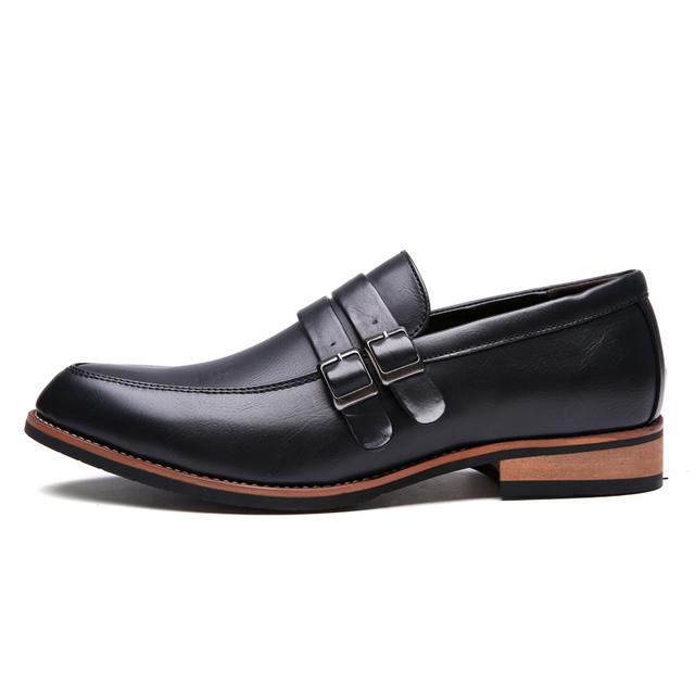 2017 Del Otoño Del Resorte hombres de la Manera Hombres de Charol Zapatos de Vestir Blanco Negro Barato Boda Oxford Casual Masculina de Cuero Suave zapatos