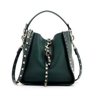 Image 5 - Couro genuíno famosa marca rebite crossbody sacos para mulheres mensageiro bolsa de ombro bolsas de luxo bolsas femininas designer feminino
