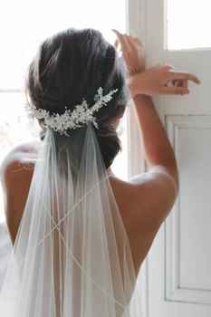 New Arrive 2m Cut Edge Comb White Long Bridal Veils Cut Edge White One Layer Lace beaded pearls Wedding Veils - DISCOUNT ITEM  15% OFF All Category