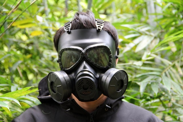 Cs Military Gas Mask With Transparent Glasses Skull Perspiration