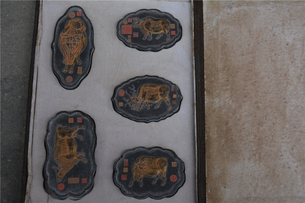 Редкий Старый китайский чернильный слиток пять коров с отметкой лучшая