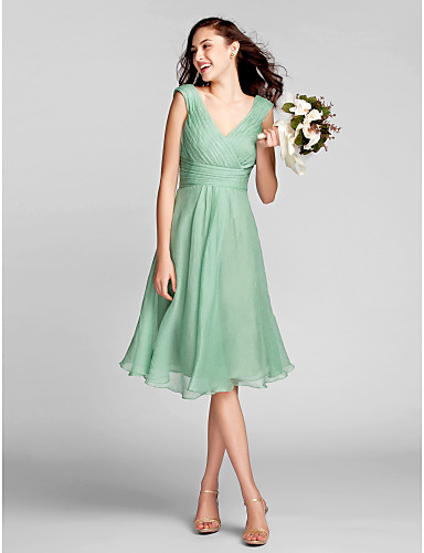 0045123b540 vestidos de festa Cheap Bridesmaid Dresses 2016 Sage Plus Sizes   Petite A  line V neck Chiffon Wedding Party Dress-in Bridesmaid Dresses from Weddings  ...
