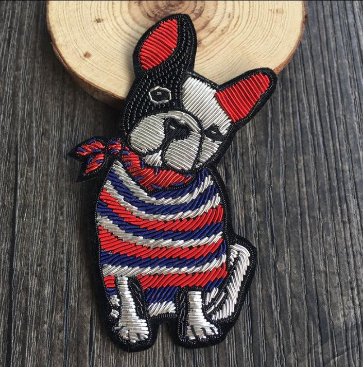 Bulldog with Bow Tie Silk Patch Brooch India Silk Wire Handmade Embroidered Badge Fabric Patch Fashion Clothing Decoration