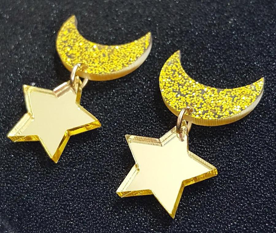 Biamoxer 1Pair Anime Sailor Moon Cosplay Kawaii Star Moon Space Earrings Ear Clip