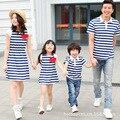 2017 vestidos de rayas a juego de ropa de verano de la familia de madre e hija mamá y yo vestido de padre e hijo bebé de la camiseta ropa