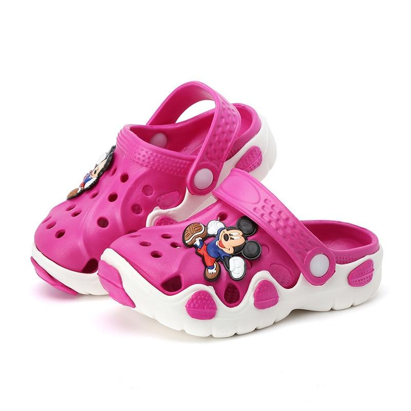 Тапочки для мальчиков и девочек; сандалии; нескользящие шлепанцы; пляжные шлепанцы; Новинка года; модная летняя детская обувь с вырезами и героями мультфильмов - Цвет: H33-rose red