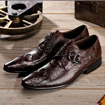 2018 New Men's Genuine Leather Shoes Crocodile Pattern Real Leather Shoes Retro Men's Dress Business Shoes Fashion Casual Shoes