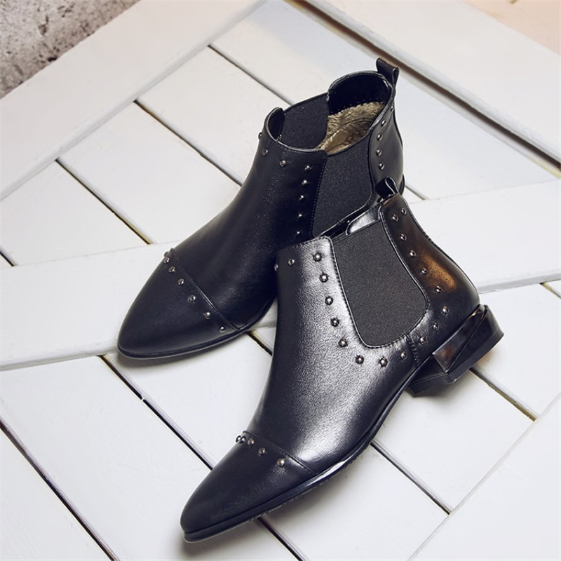 Autumn Winter Women Fashion Star Rivets Ankle Boots Flat Short Booties Genuine Leather Martin Mujer Botas Militares Size 34-43 e toy word boots women fashion autumn martin boots warm women shoes ankle boots for women winter botas mujer wedges ankle boots