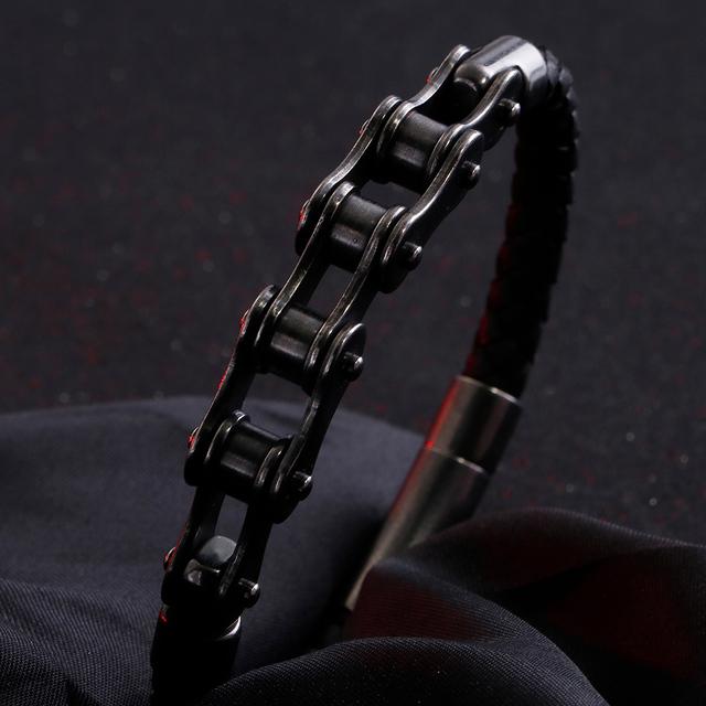 Bike chain bracelet with leather