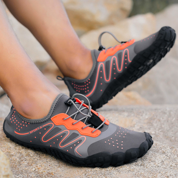 2019 Summer Men Beach Wading Casual Shoes Swimming On Surf Quick-Drying lace-up Unisex Sneakers Sock Drainage man Water Shoes 1