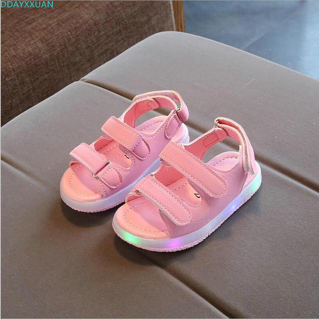 1e037005d Nuevos niños de verano Led brillante sandalias niños niñas deporte Casual  luz Zapatos Niños Zapatos bebé