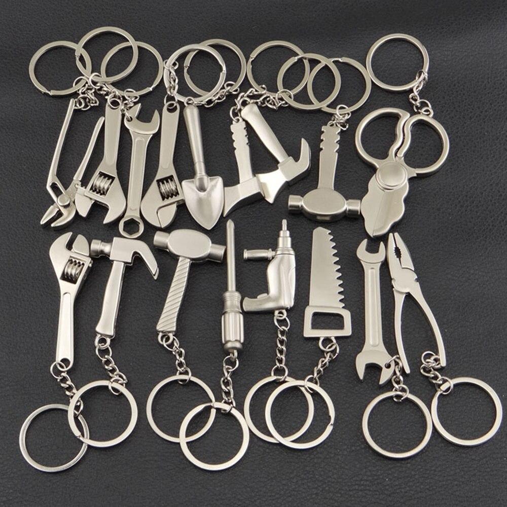 Porte-clés outil clé a molette nouveauté.