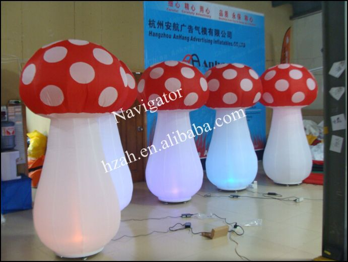 Lighted Inflatable Mushroom for Party Decoration home decoration lighted inflatable jellyfish