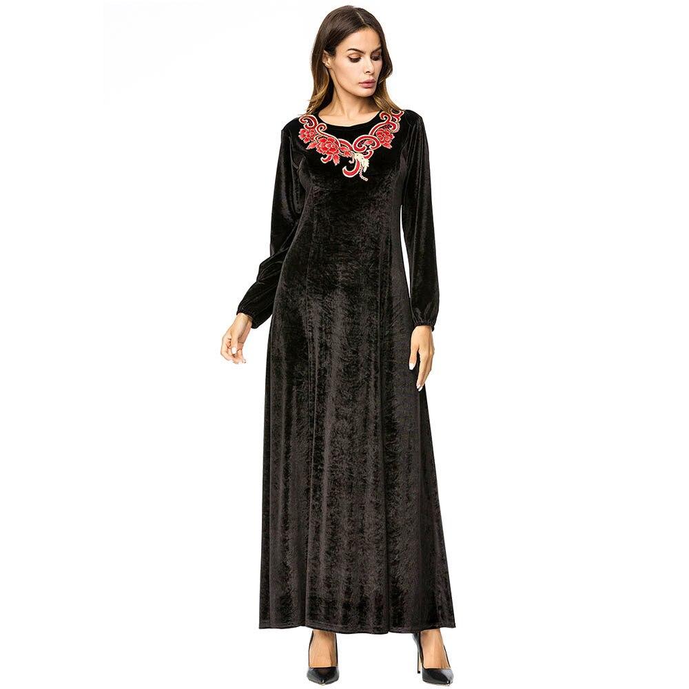 2018 Velour Muslim Abaya Black Dress Embroidery Autumn Winter Women Dubai Clothes Vintage Moroccan Kaftan Arab Robes 7247