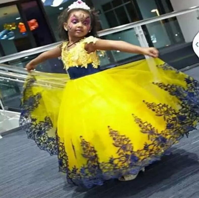 New Flower Girl Dresses For Weddings Lace Ball Gown Birthday Dress Evening  Gown First Communion Dresses 4b86e5541103