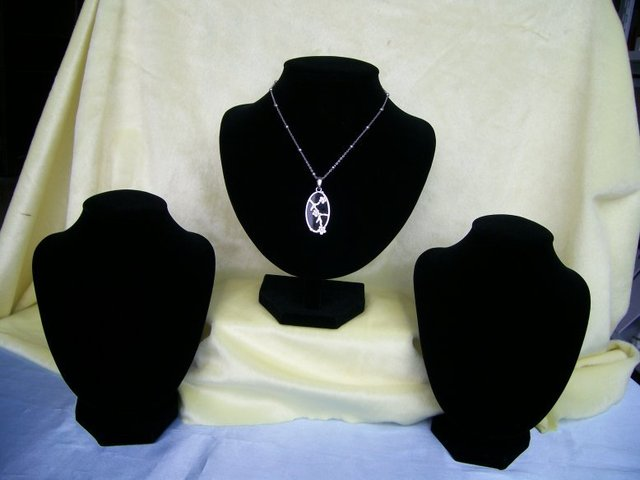Black Velvet Mannequin Necklace Jewelry Pendant Display Stand Bust Holder Show Decoration