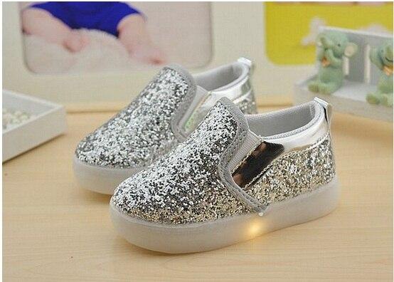 Sneakers Met Licht : Baby meisjes jongen led licht shoes peuter antislip sport laarzen