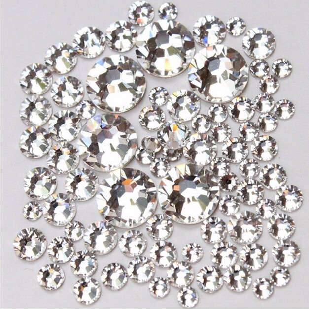 100pcs Nail Art Clear Rhinestones Strass Flatback Non Hotfix Shiny Glass  Crystals Decorative Bags Boots Nails crafts-in Rhinestones from Home    Garden on ... 22d202aebab5