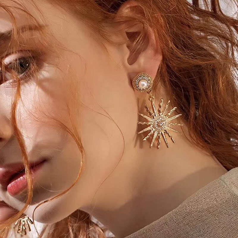 1 Pair Women Lady Girl Earrings Ear Drop Pendant Sun Flower Shape Fashion For Party Wedding @M23