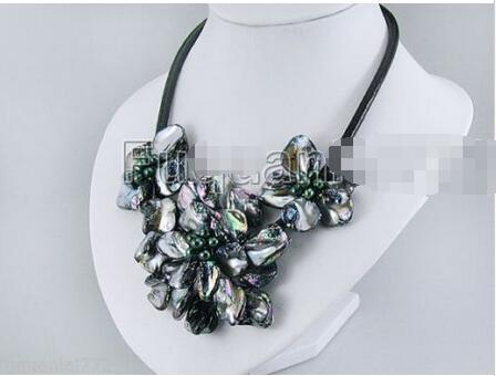 """Hot sale new Style >>>>>Fashion Jewelry Mother Of Pearl Shell Flower Pendant Necklace 17"""" Long - Black"""