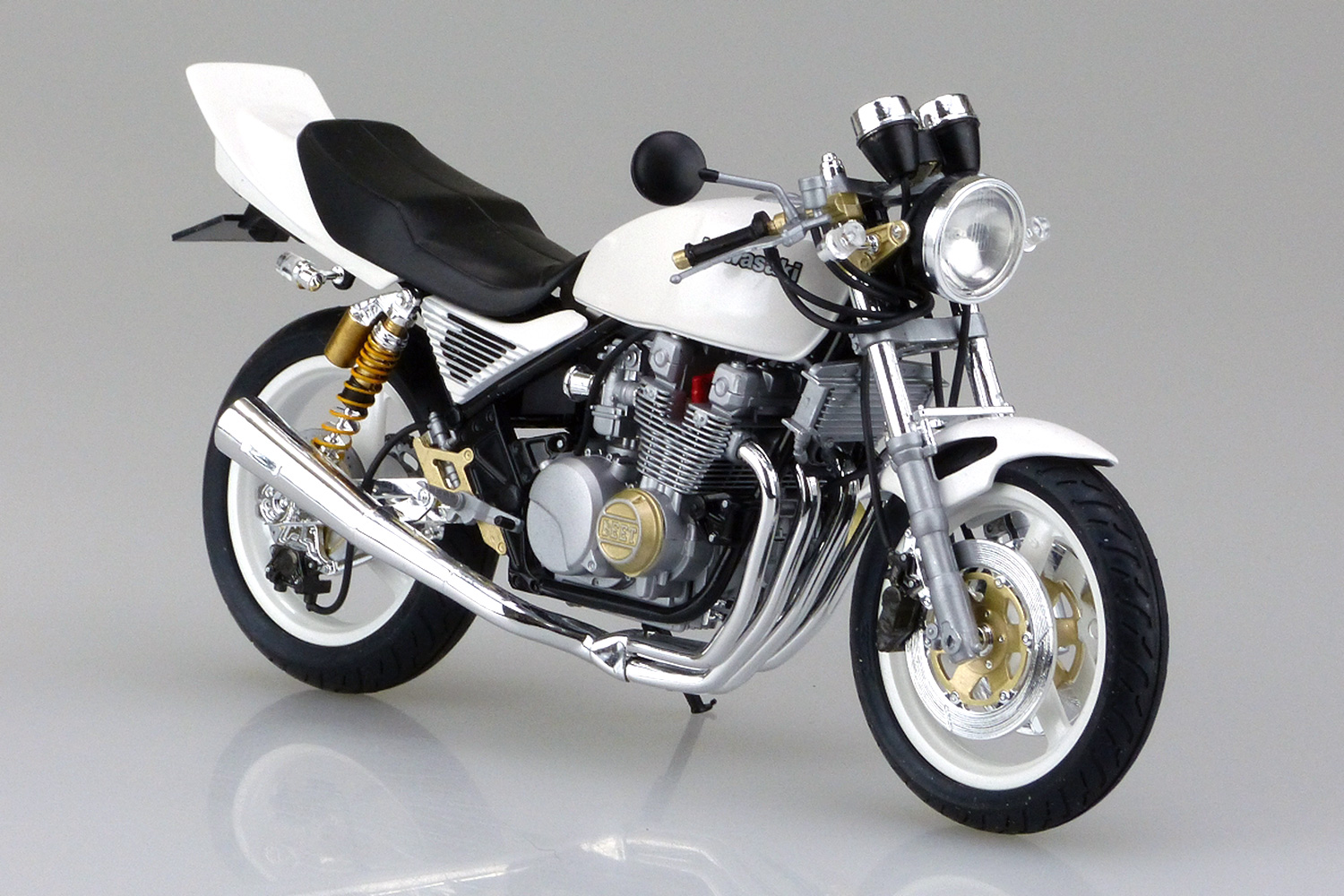 <font><b>1/12</b></font> Kawasaki Zephyr X Belt Modification <font><b>Motorcycle</b></font> <font><b>Model</b></font> 05168 image