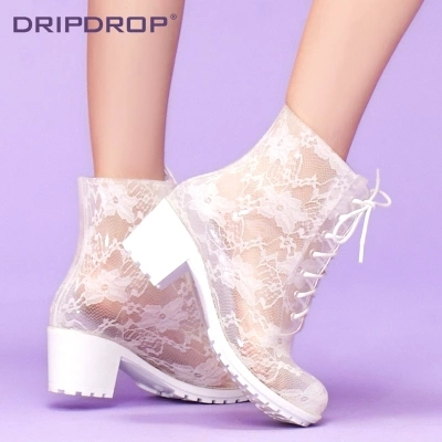 ФОТО Spring Summer Fashion Women's High Heeled Lace Transparent Water Shoes Sexy Martin Rain Boots Black White Rainboot S2022