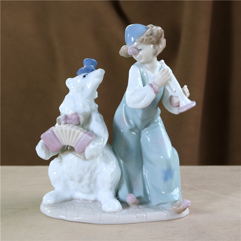 Porcelain Circus Animal Trainer Clown Figurine Ceramic Carnival Dancing Bear Statue Home Decor Gift Craft Ornament