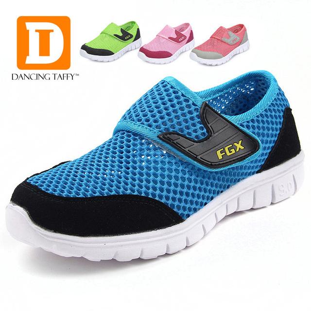 Nuevos 2015 Zapatos de malla transpirable para niños tela una sola red zapatos de ocio zapatillas niños zapatos niños