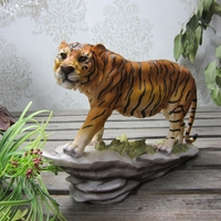Resin Crafts Simulation Tiger Ornaments Home Decoration Accessories Resin Model Animal Tiger Office Business Creative Gifts