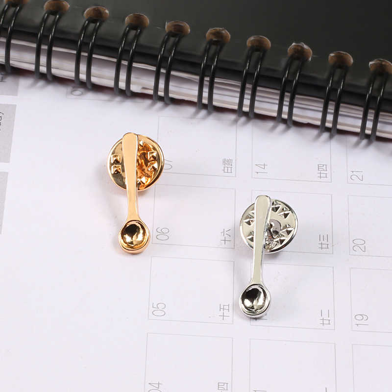 Popular Enamel Pin 3 Colors Mini Coffee Spoon Brooches Lovely Metal Icon Shirt Coat Lapel Pins Badges Kid Jewelry Gift Wholesale
