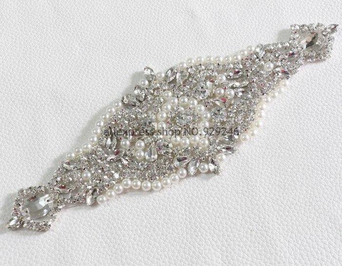 2 unids lote applique nupcial cristalino con las perlas para el vestido de  boda adornos moda flor recorte Ropa Accesorios vestido 89318e40a8c7