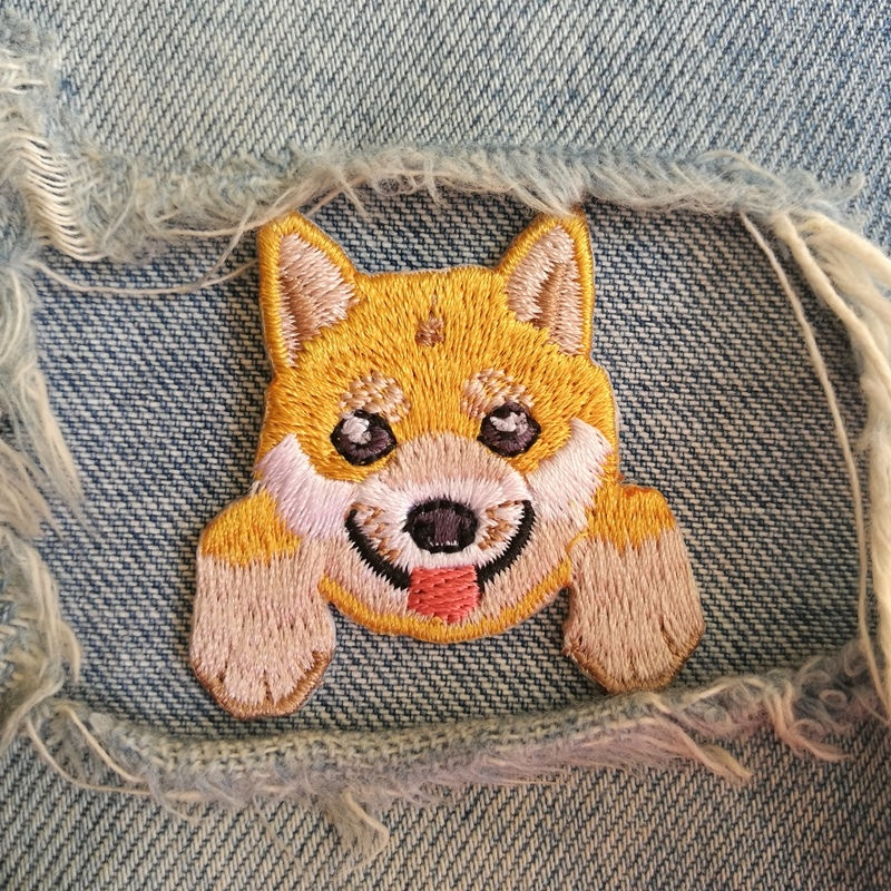 1 PIC 4.1*4.1CM Computer Embroidery Chapter Dress Decoration Embroidered Cloth SHIBA INU DOG Trumpet BADGE PATCH Applique