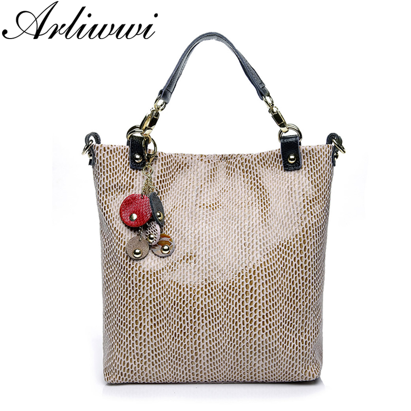 Arliwwi Graceful Embossed Real Leather Shoulder Bags Snake Pattern Tote Handbags with Elegant Tassel B2913Arliwwi Graceful Embossed Real Leather Shoulder Bags Snake Pattern Tote Handbags with Elegant Tassel B2913